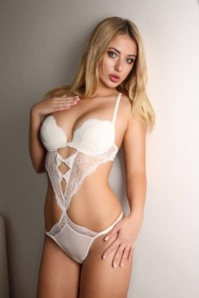 Escort Ivana in Fingal Street
